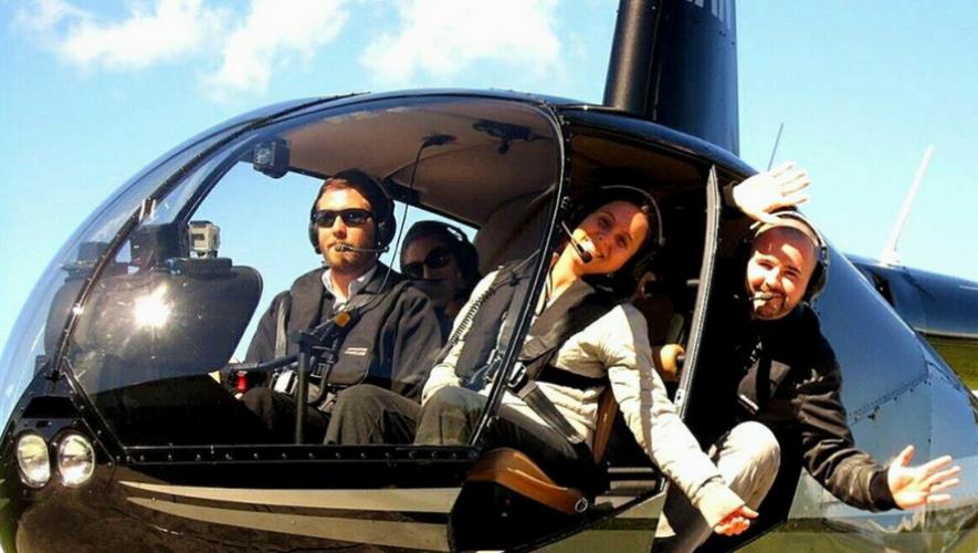 Viaje en helicóptero sobre línea costera de Monterrico   Julio 2017