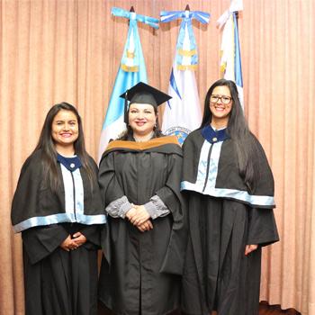primera promoción de graduados universitarios con discapacidad auditiva de la Usac.