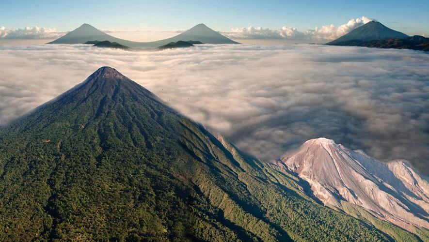 Ascenso nocturno a volcanes Santa María y Cuxliquel | Mayo 2017