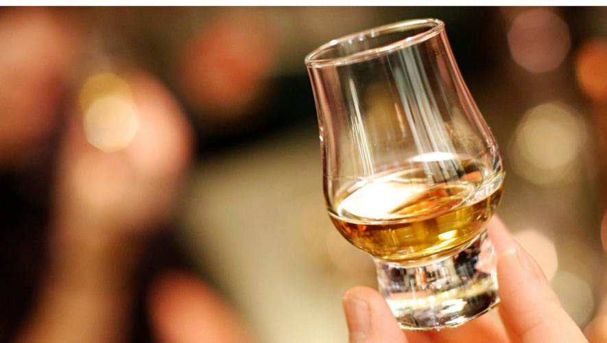 Taller de maridaje de whisky en Caraluna Rambla 10 | Junio 2017