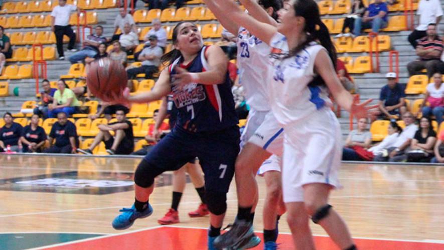 Zaby se convirtió en una de las pocas jugadores con más títulos de la historia en la Universidad Madero. (Fotos: Liga ABE)