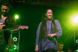 Alika en concierto