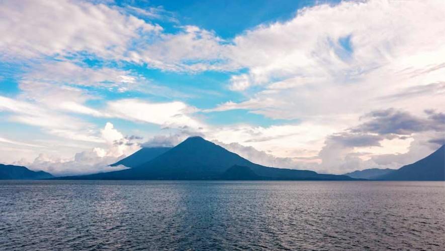 Atitlán es el lago más bello del mundo, según National Geographic