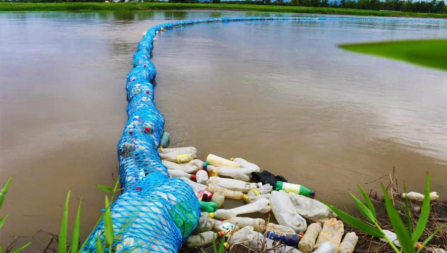 Biobarda proyecto con material reciclado, busca eliminar la contaminación de los ríos