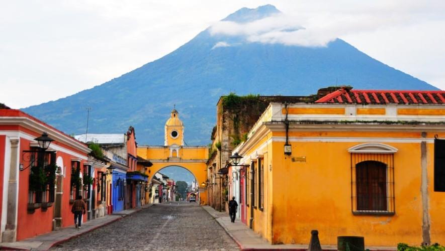 Calle del Arco de Antigua Guatemala es peatonal los fines de semana
