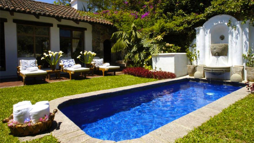 Casa encantada antigua guatemala hoteles con piscina en for Casa jardin guatemala