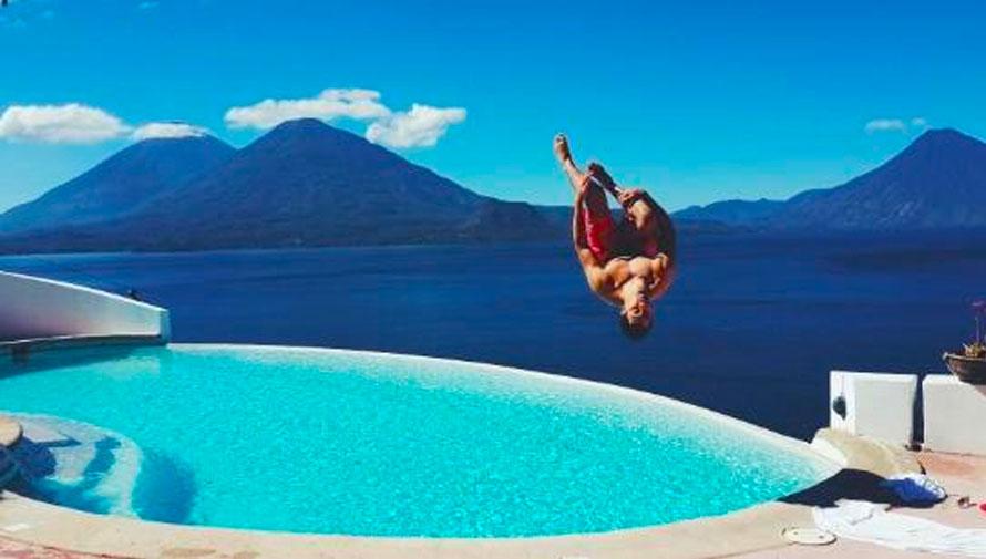 Hoteles con piscina en el lago de atitl n for Hoteles con piscinas