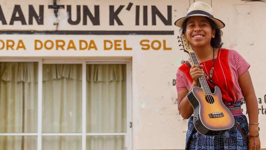 Sara Curruchich, cantante guatemalteca, fue entrevistada por Diario El País