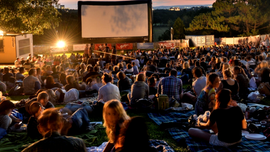 Cine al aire libre en Alianza Francesa Festival Très Court | Junio 2017