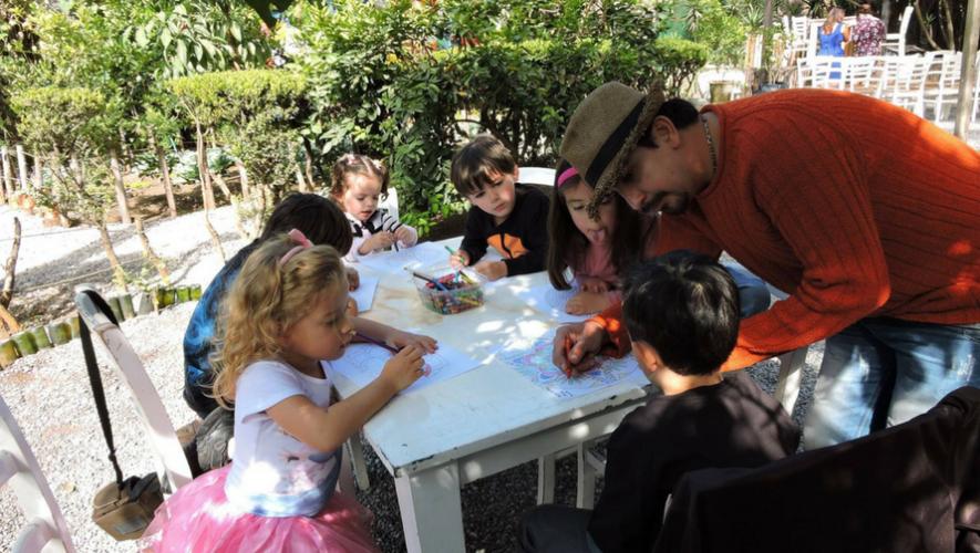 Crepa gratis para niños que lleguen con su papá a Saúl L'Ostería   Junio 2017
