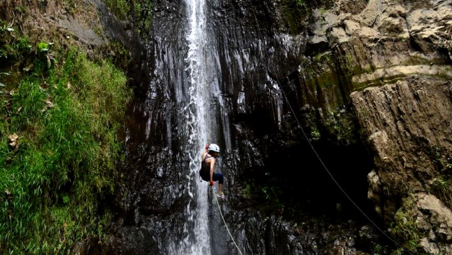 Rapel en cascada La Rinconada en San Miguel Dueñas, Sacatepéquez | Junio 2017