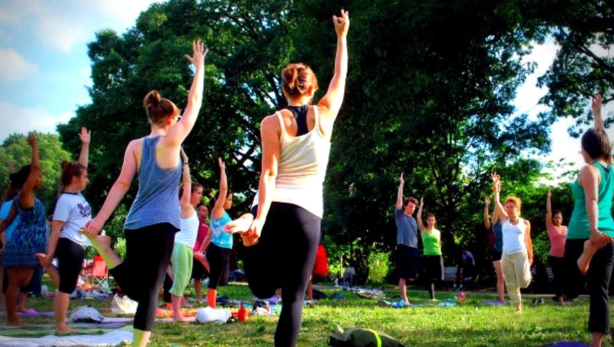 Tercer Día Internacional del Yoga en Plaza del Obelisco   Junio 2017