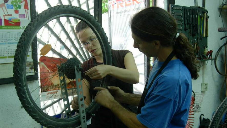 Taller de mecánica básica de bicicletas para mujeres en Cycle Works | Junio 2017
