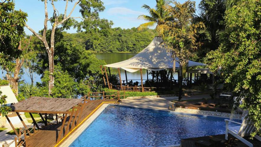 Hotel villa maya en pet n hoteles con piscina en pet n for Vacaciones en villas con piscina