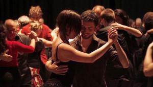 Clase de bailes latinos en ArteCentro | Julio 2017
