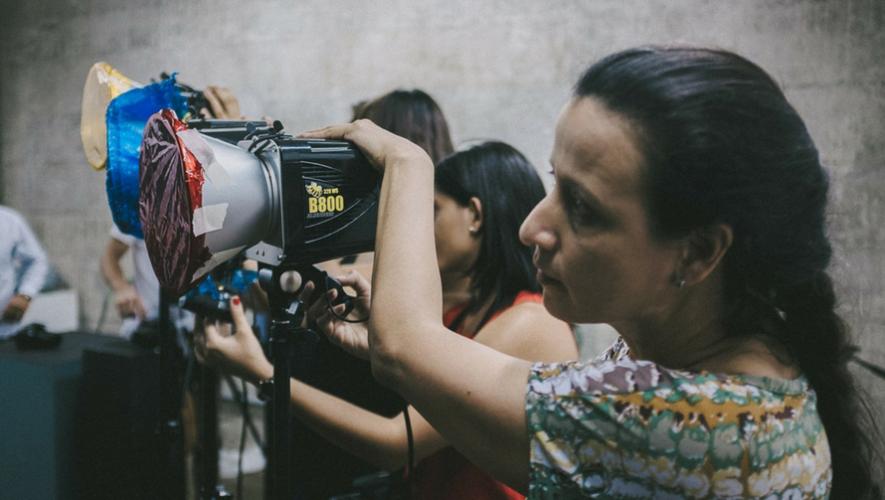 Taller sobre fotografía publicitaria en La Fototeca | Julio 2017