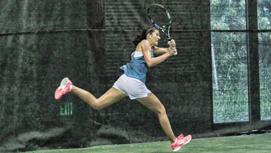 La final de singles femenino fue protagonizado por las dos mejores tenistas guatemaltecas a nivel juvenil. (Foto: Tennis Association of Trinidad and Tobago)