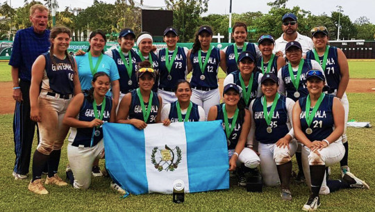 Guatemala dejó una buena impresión en el torneo realizado en Cancún, México. (Foto: Sóftbol Guatemala)