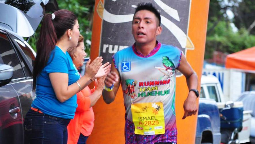 El huehueteco se quedó con el primer lugar en México, venciendo a un corredor keniata. (Foto: Medio Maratón int. de Cobán)