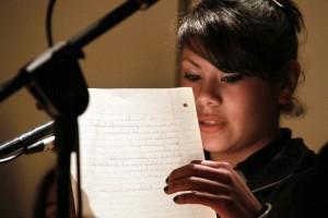 Lectura de poesía. (Foto: Rosario)