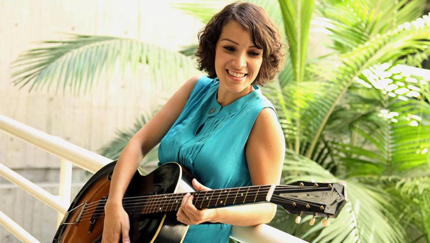 Gaby Moreno será jurado en el concurso de composición John Lennon