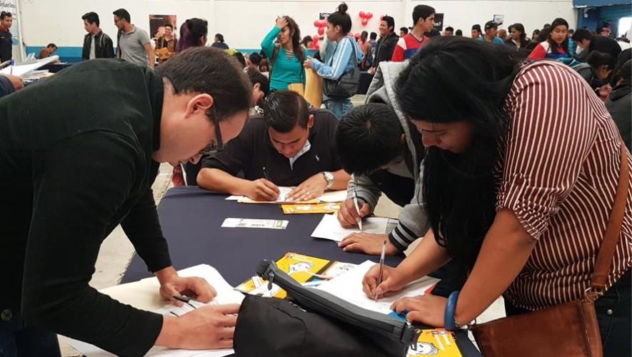 Guatemaltecos podrán optar a becas para estudiar inglés, julio 2017