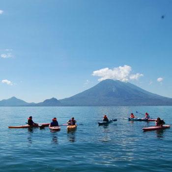 Kayak en el Lago de Atitlán