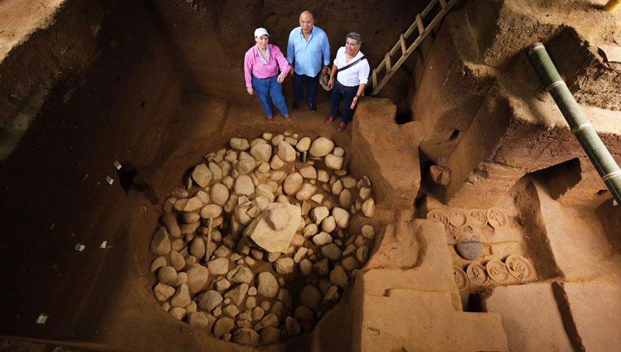 Ombligo-Mux, sitio ceremonial, fue descubierto en Tak'alik Ab'aj