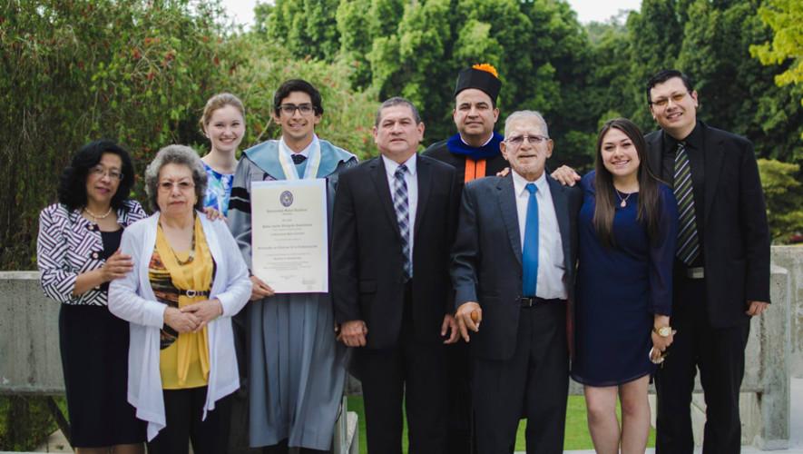 El guatemalteco Pablo Villagran trabaja en la ONU por su nivel de inglés 2017