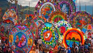 Visita a Sumpango para ver barriletes gigantes   Noviembre 2017