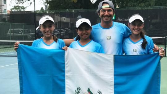 Guatemala nuevamente se alzó con el título de campeón en la Copa Wilson. (Foto: Federación Tenis de Campo Guatemala)