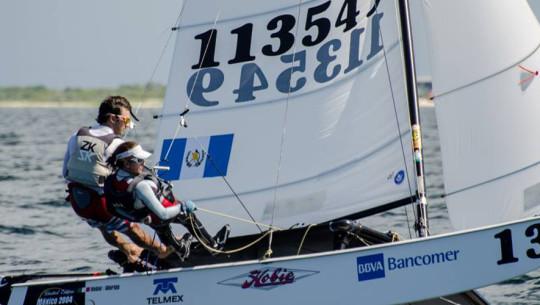 5 veleristas guatemaltecos tomarán acción en las aguas de Yucatán, en busca de ser protagonistas. (Foto: Copa Cummins)