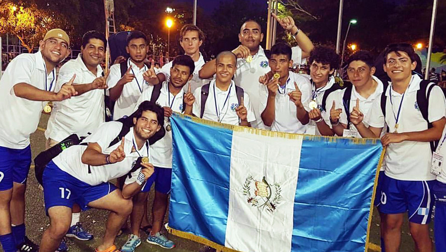 Las selecciones de Guatemala dominaron de principio a fin el primer torneo de hockey sobre césped 5 en Nicaragua. (Foto: COGuatemalteco)