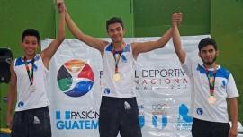 La primera actuación de la escalada deportiva guatemalteca dio sus frutos al ganar 4 medallas. (Foto: COGuatemalteco)