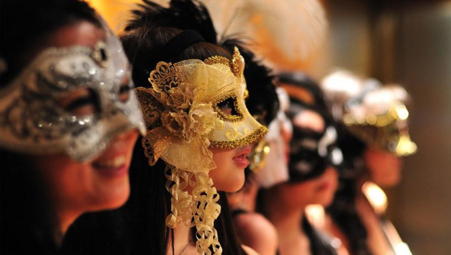 Fiesta temática de máscaras   Agosto 2017