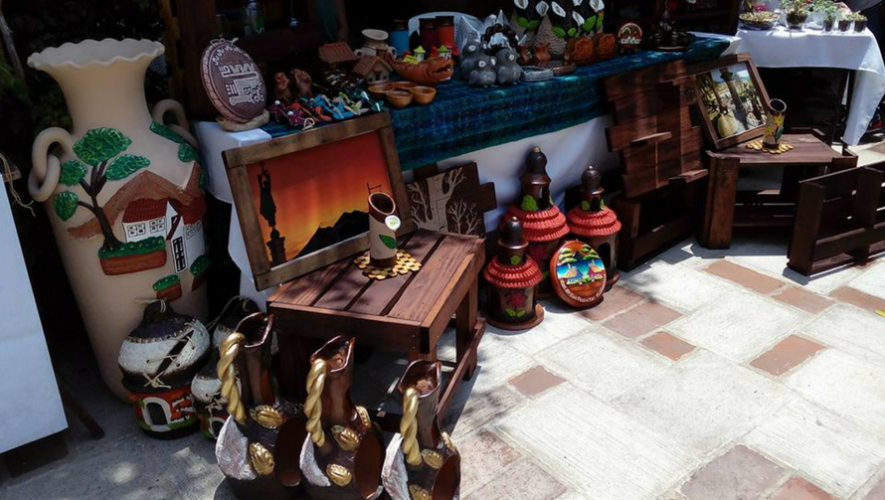 Mercado de productos artesanales en The Shops At Muxbal | Julio 2017