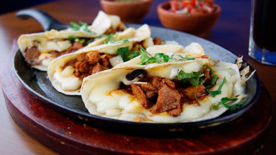 4 restaurantes ponen todo su menú a 2x1, para darle la bienvenida al mes patrio