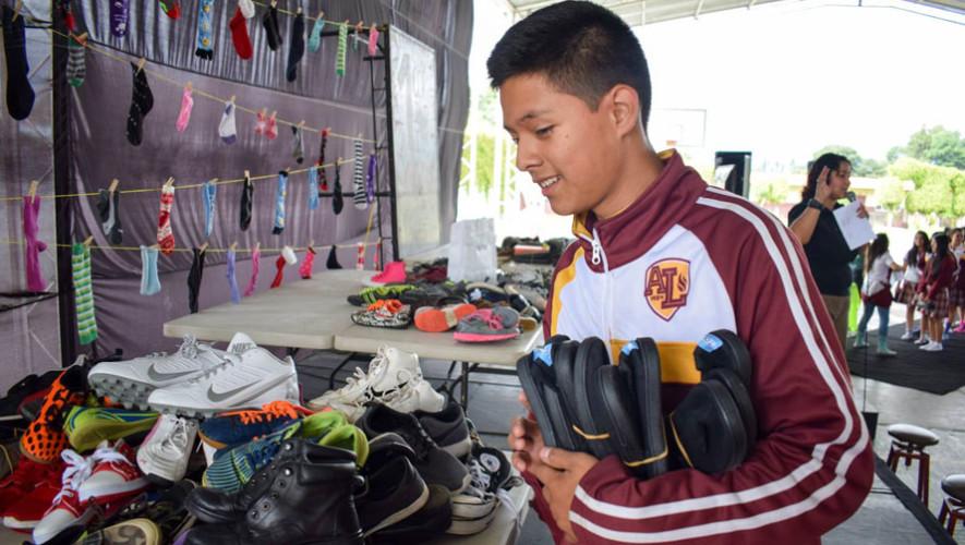 Colegio de Chimaltenango dona 400 pares de zapatos