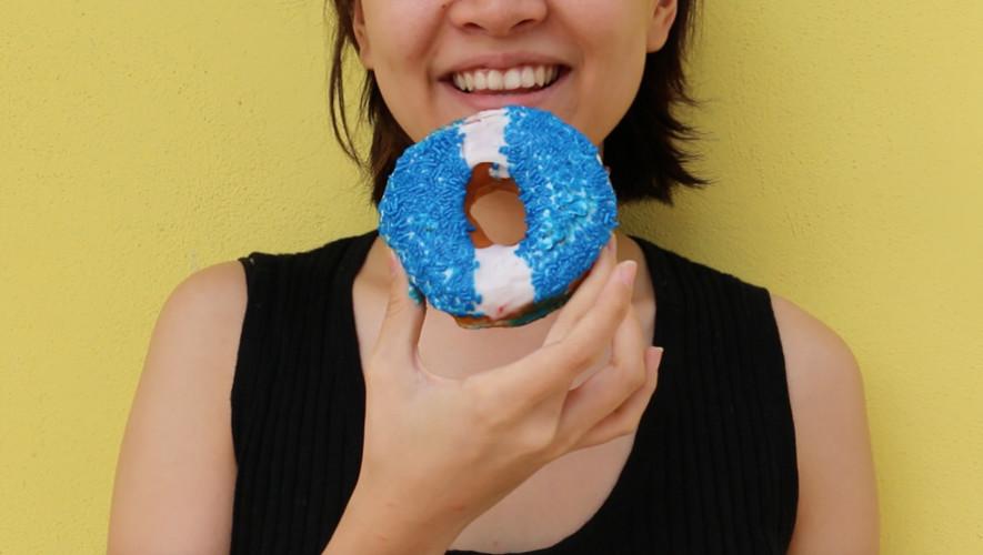 Dunkin Donuts lanza sus donas chapinas por el mes patrio