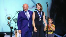 Gaby Moreno fue condecorada con la Medalla de la Paz