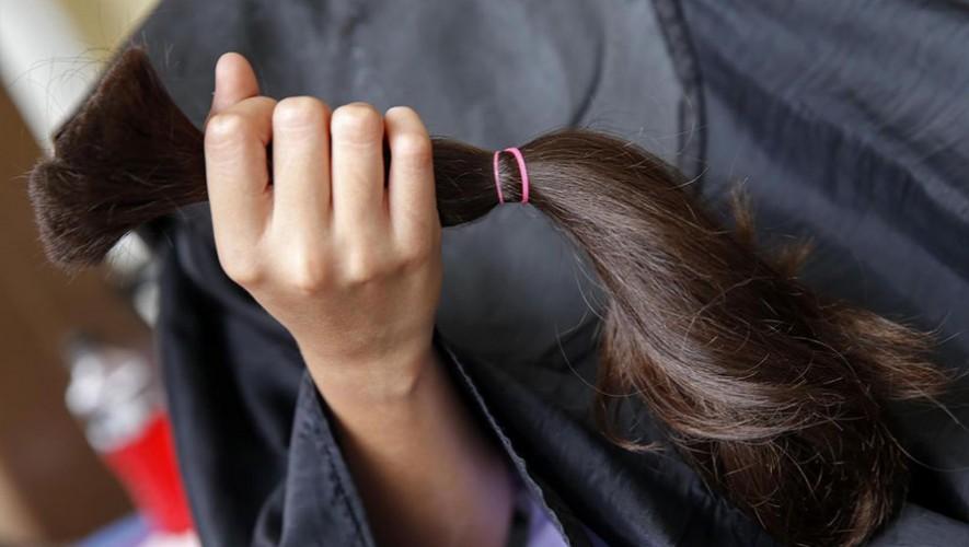 Donación de cabello para hacer pelucas para niñas con cáncer en Petén   Agosto 2017