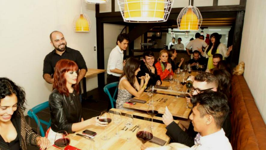 """Noche de """"Paga lo que quieras"""" en Restaurante Flor de Lis   Agosto 2017"""