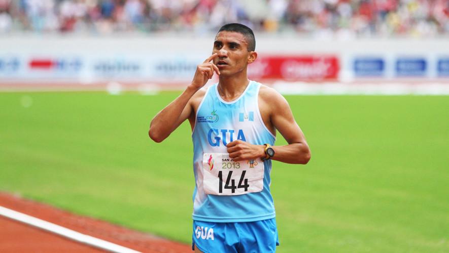 El maratonista quichelense ha mantenido su récord centroamericano desde hace 13 años. (Foto: COGuatemalteco)