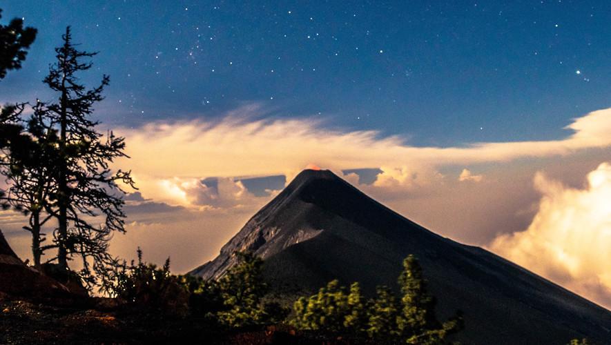 Ascenso al Acatenango y campamento frente al Volcán de Fuego   Septiembre 2017