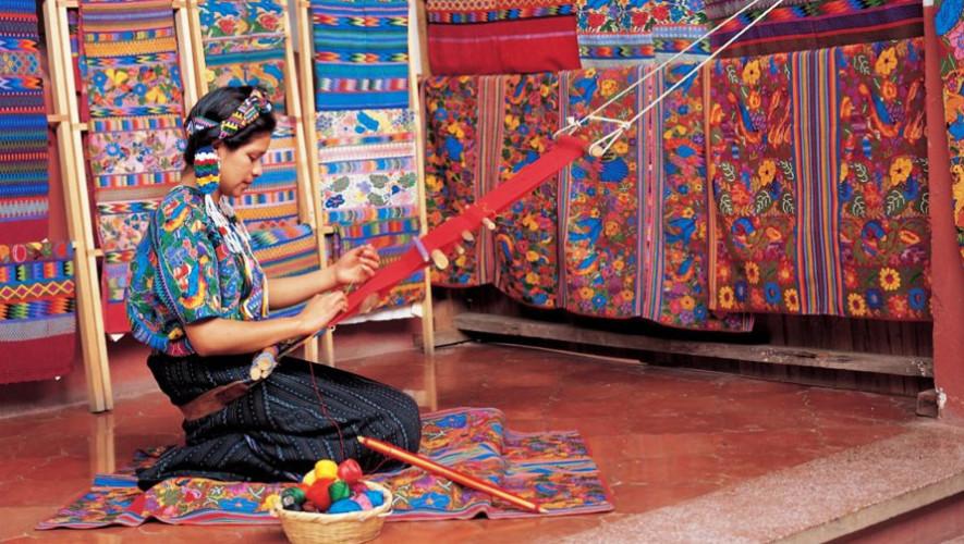Primera muestra de tejido maya en Antigua Guatemala  Agosto 2017