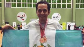 Raúl Anguiano gana doble bronce en Perú Internacional de Parabádminton 2017