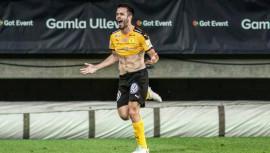Saravia logró su primer gol en Europa durante la victoria de su equipo -1 ante el Orgryte. (Foto: Fanpage de Rodrigo Saravia)