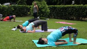 Clase de yoga y vino en Vinoteca zona 14 | Agosto 2017