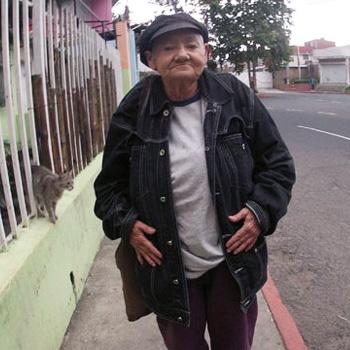 María de los Ángeles Ruano poeta guatemalteca