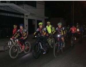 Colazo en bicicleta nocturno